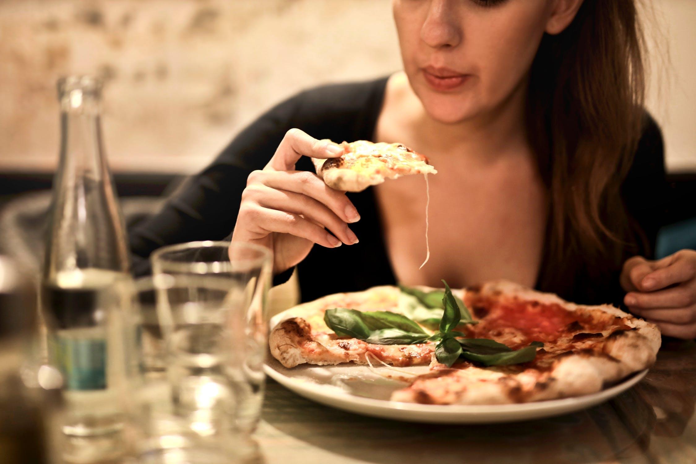 食事マナーで嫌われる女と好かれる女。アナタはどちら?