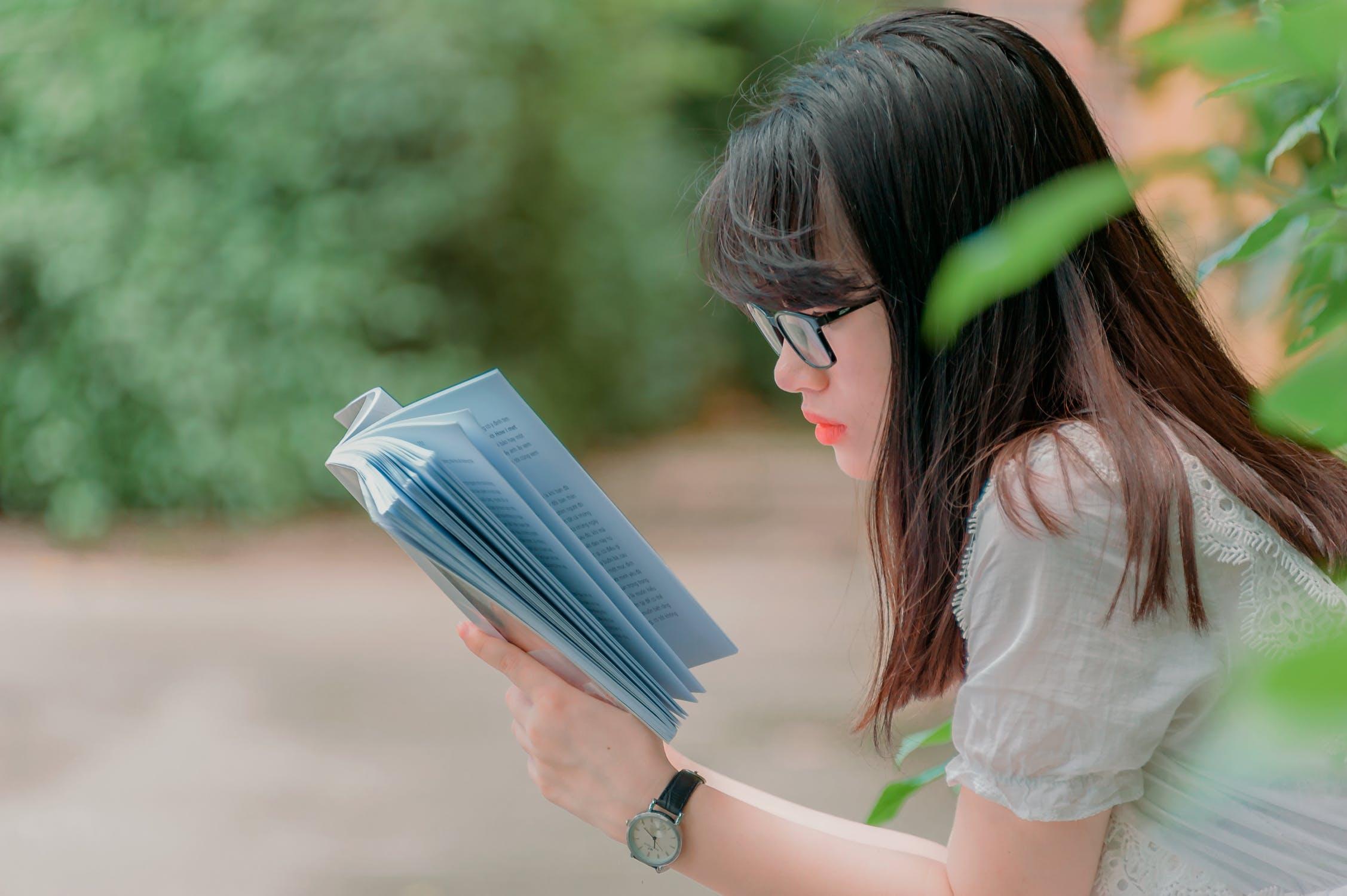 知識も経験も豊富!見聞が広い女性が好かれるワケ!