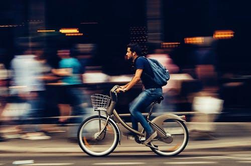 「忙しい」と口にする人は、本当に忙しい人ではない。自分に余裕も持つ事ができていないだけ。